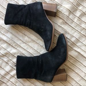 Vagabond Black Suede Booties